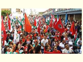 Em Caetés, 5 mil pessoas acompanham a saída da Caravana Contra a Fome