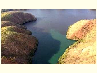 Chesf é multada por mancha negra no rio São Francisco; problema se agrava