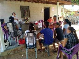 Artesanato é tema de formação com grupo de Assentamento São Francisco