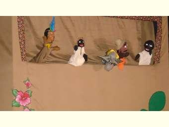 Bonecos Mamulengos se apresentam no Salitre