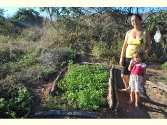 Colaboradores/as visitam famílias do interior de Campo Alegre de Lourdes