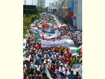 Ato em defesa do Semiárido reúne 20 mil pessoas em Petrolina e Juazeiro