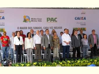 Movimentos sociais do Vale do São Francisco entregam Carta à presidente Dilma em visita à Juazeiro