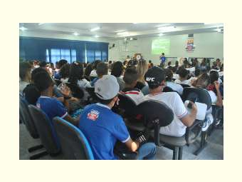 """""""Crise hídrica: falta água ou gestão?"""" é tema de debates em Escolas do Sertão São Francisco"""