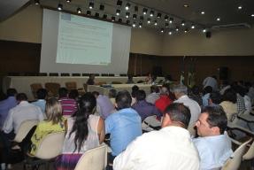 Na Embrapa, Ministro do MDA discute a Convivência com o Semiárido com sociedade civil