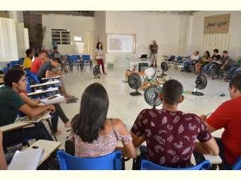 Equipe do Pró-Semiárido partilha experiências de formação de agricultores/as e auto-formação