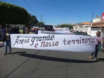 Famílias camponesas fazem manifestação contra juiz em Casa Nova