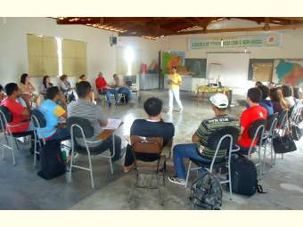 Colaboradores/as do Irpaa discutem Juventude e Direitos Humanos em encontro de formação