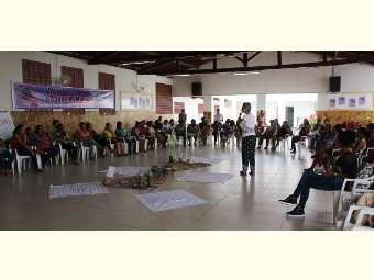 """Feira com o tema """"Mulheres, Lutas e Resistência: Não ao Retrocesso!"""" é realizado em Remanso- BA"""