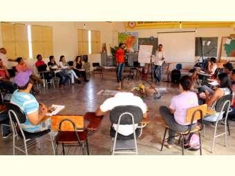 Agentes comunitários rurais e de apicultura do projeto Bahia Produtiva participam de formação em Juazeiro