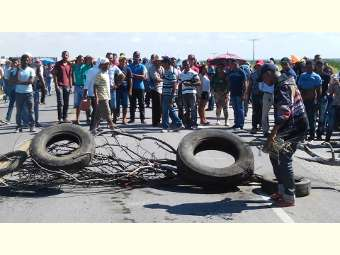 Reassentados de Itaparica ocupam pontes na manhã de hoje