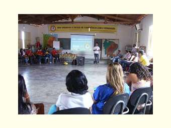 Reunião com colaboradores/as do Irpaa discute desafios e metas de programas no Sertão baiano