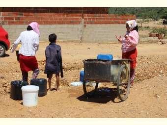 Moradores de Brejo de Dentro, em Sento Sé, cobram abastecimento de água na comunidade
