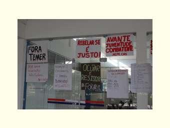 Estudantes da UNEB continuam resistindo contra a PEC de reajuste fiscal