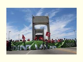 Juazeiro, no norte da Bahia, também realiza manifestação em defesa da democracia