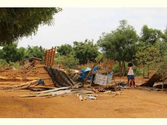 Centenas de famílias estão na rua após despejos violentos em acampamentos do MST