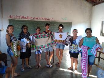 Produção de máscaras gera renda para grupo de mulheres de Juazeiro