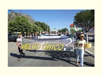 Ato Público em defesa do Velho Chico reuniu mais de 5 mil pessoas em Bom Jesus da Lapa