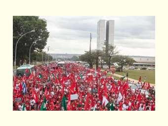 15 mil Sem Terra fazem protesto pela Reforma Agrária em Brasília