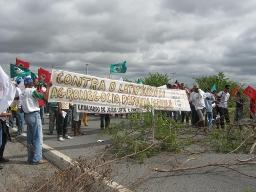 Manifestação de camponeses/as na BR 407 resulta em encaminhamentos junto ao governo