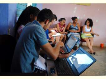 Estudantes da República participam de oficina de comunicação