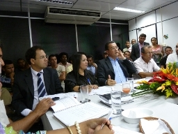 Entidades civil  e governo discutem sobre projetos hídricos na Bahia