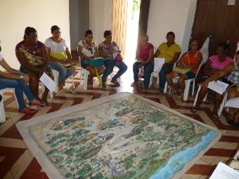 Mulheres de comunidades Fundo de Pasto de Cura�� realizam 2� encontro