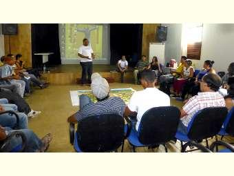 Lideranças de comunidades Fundo de Pasto de Canudos discutem direito à terra e território