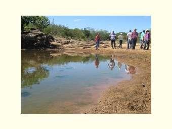 Colaboradores/as do Irpaa participam de estudo e visita a  projeto de recuperação hidroambiental