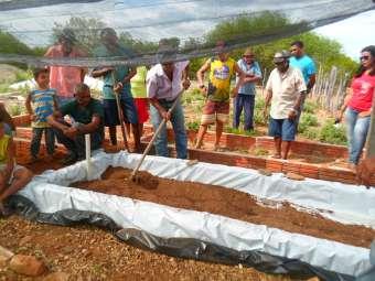 Em Canudos, comunidade Rio do Vigário vivencia Dia de Campo sobre produção de alimentos