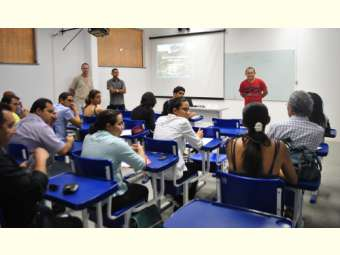 """""""Será que a gente tem água sem solo, solo sem vegetação, vegetação sem água?"""" questões debatidas durante minicurso de microbacias em Simpósio brasileiro"""