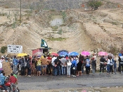 Camponeses realizam marcha e ocupam obra da transposição